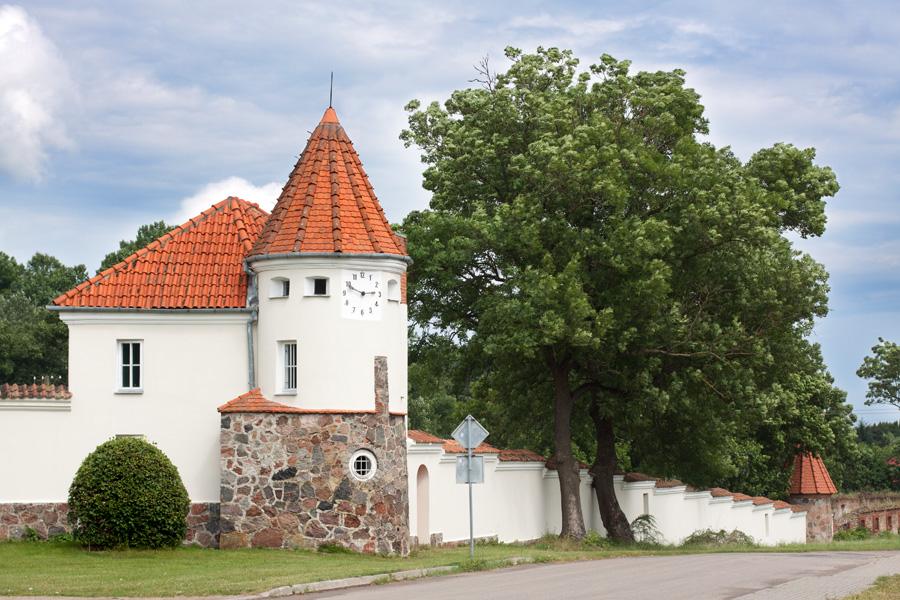 korczew-palac-budynki-2
